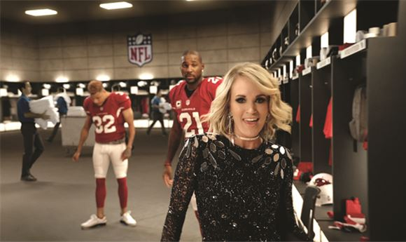 Carrie Underwood returns to open <i>Sunday Night Football</i>