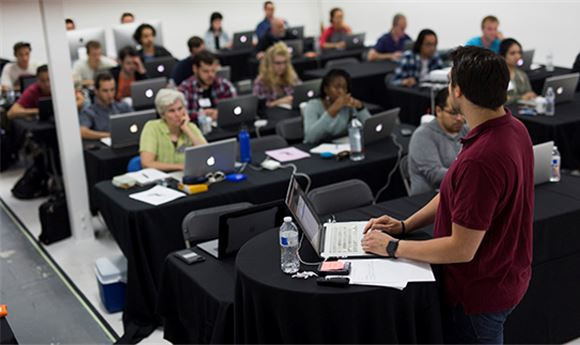 Assistant Editors' Bootcamp to offer online courses