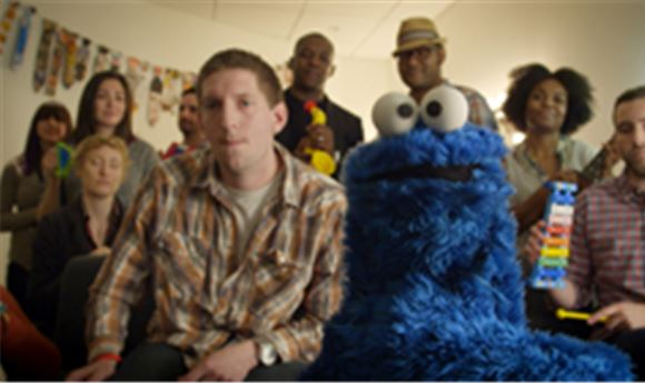 Cookie Monster spoofs 'Call Me Maybe'