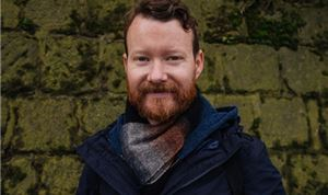 Director Shaun Collings signs with ArtClass